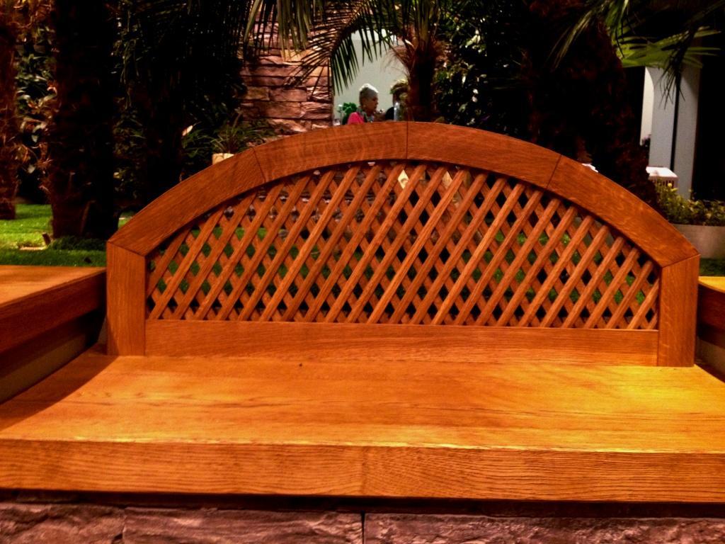 dubová lavička-kartáčovaný masív,olejová povrchová úprava