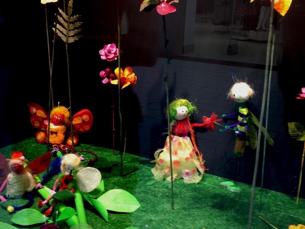 kvetinová sieň-chrobáčiky partia-výklad na MDD
